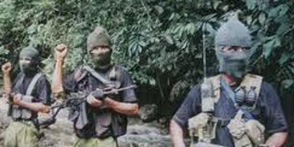 Guérilleros maoïstes dans le Huallaga