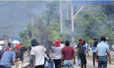 Lacrymogènes à San Pedro Sula