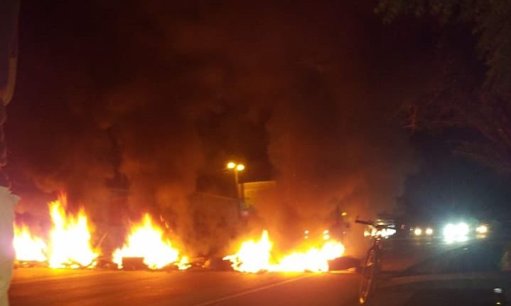 Barricade incendiée hier soir au Guatemala