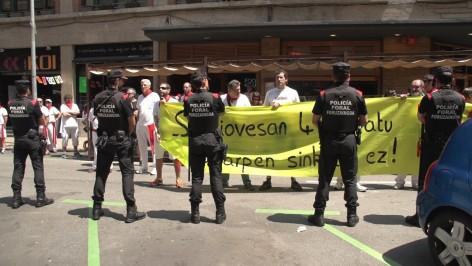 Manifestation devant le restaurant La Sangiovesa