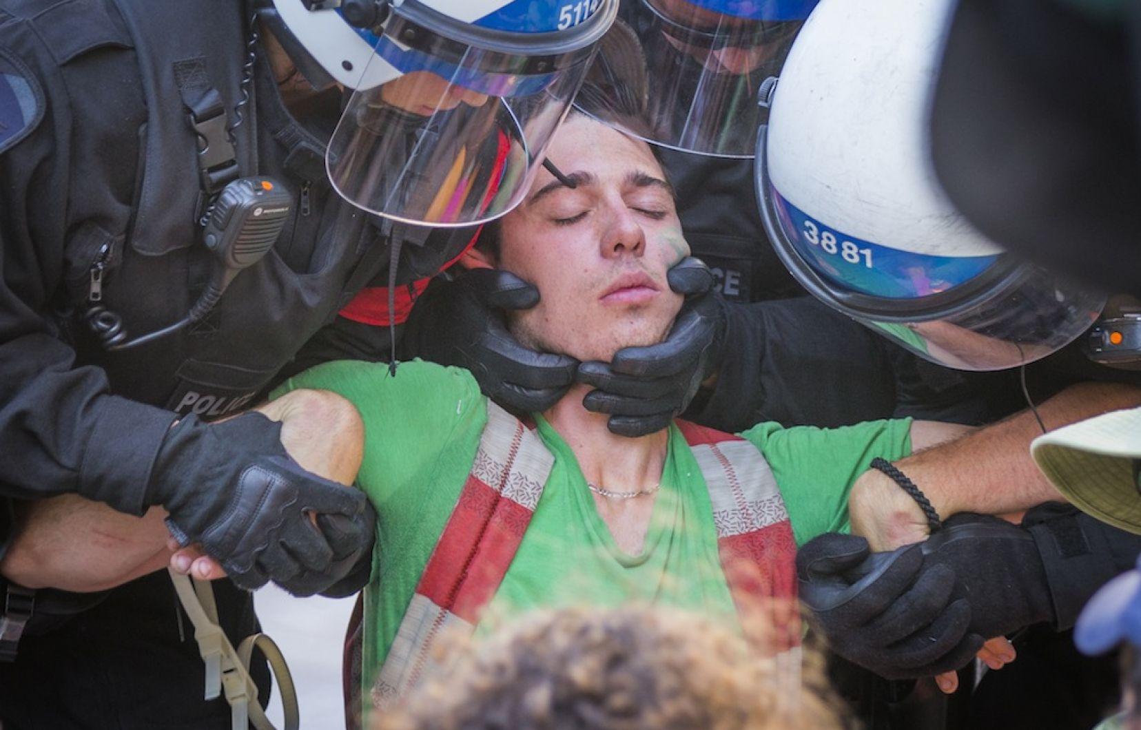Arrestation lors d'une manifestation pour le climat à Montréal