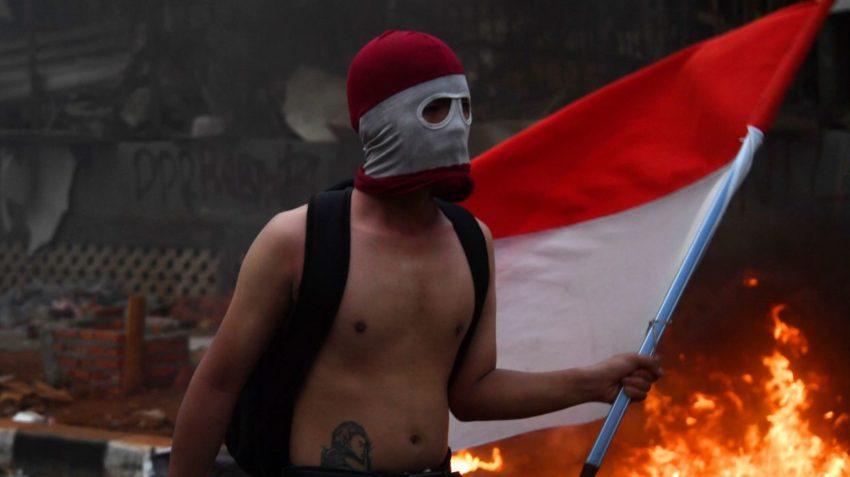 Un manifestant à Jakarta