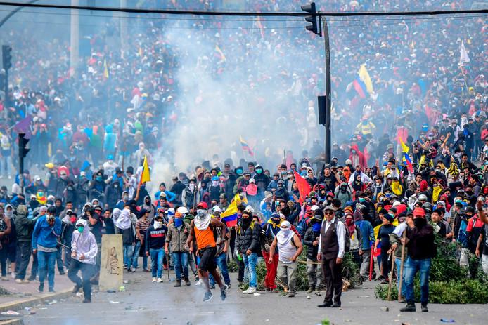 Émeutes massives à Quito