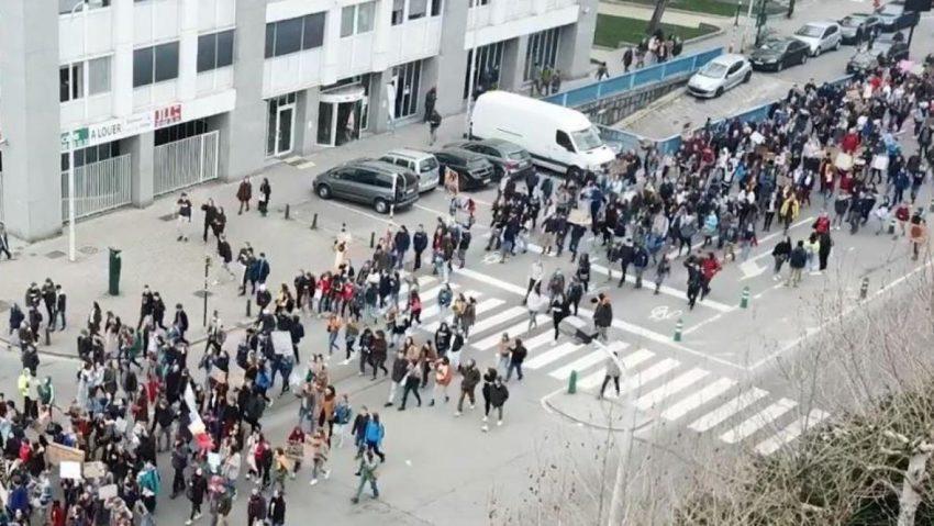 Sur l'une des images fournies par Bruxelles Prévention & Sécurité, on peut voir le degré de précision que les drones offrent à la police durant les manifestations.