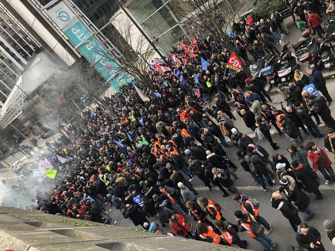 Le rassemblement devant la gare de Lyon