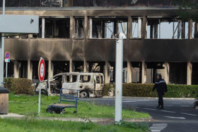 Les bâtiments incendiés