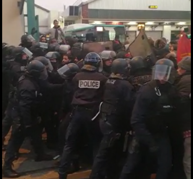 Intervention de la police au dépôt d'Ivry