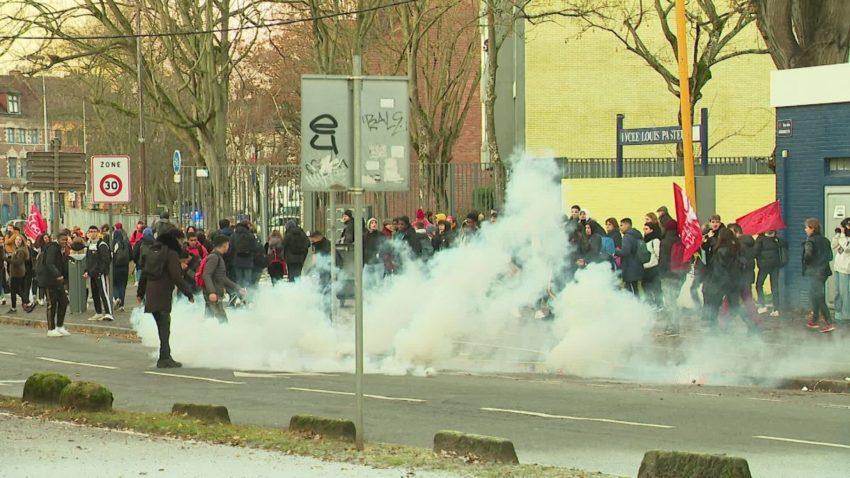 Lacrymùogènes contre étudiants à Lille