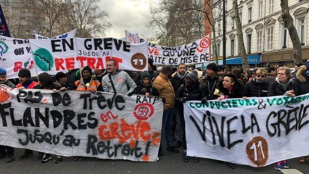 Manifestants de la RATP à Paris hier samedi