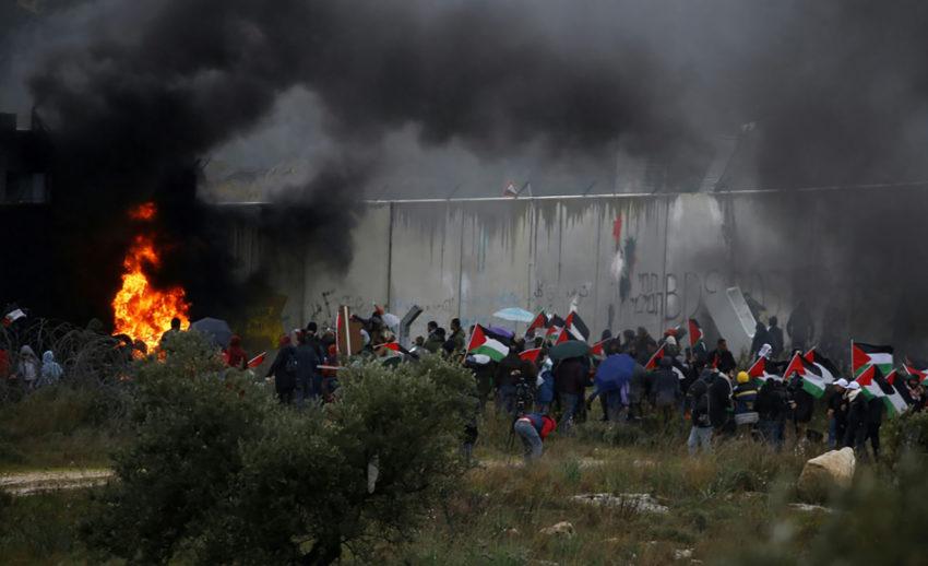Manifestation au pied du mur, hier vendredi