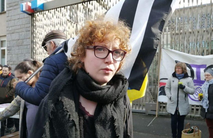 Aodren membre du collectif Dispac'h devant le tribunal de grande instance de Lorient