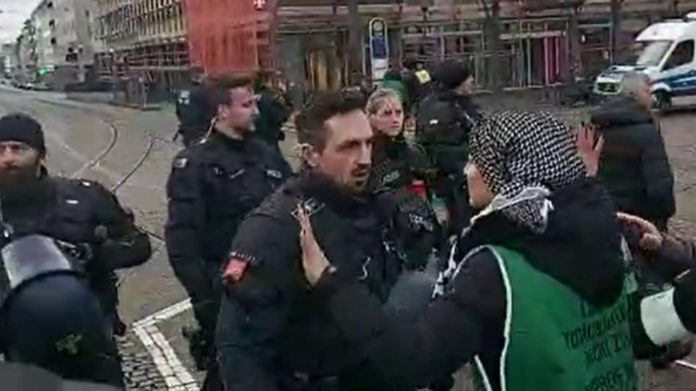 La police attaque la longue marche kurde pour la libération d'Öcalan