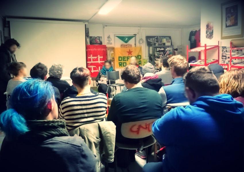 Une partie de l'assistance durant la présentation du Secours Rouge Toulouse au Chat Noir.