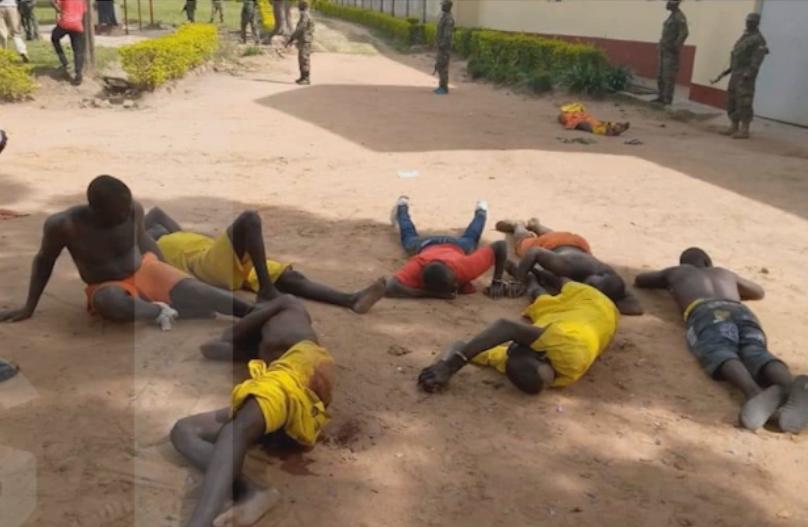 Des prisonniers ougandais blessé lors de la révolte