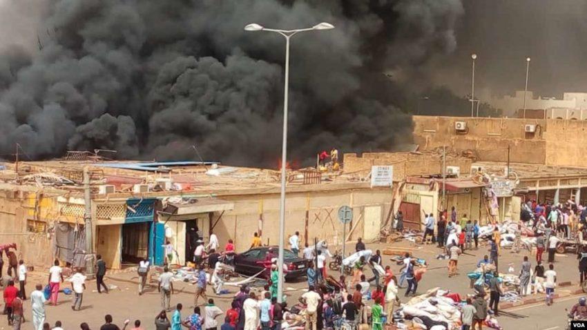 L'incendie du marché de Tagabati à Niamey