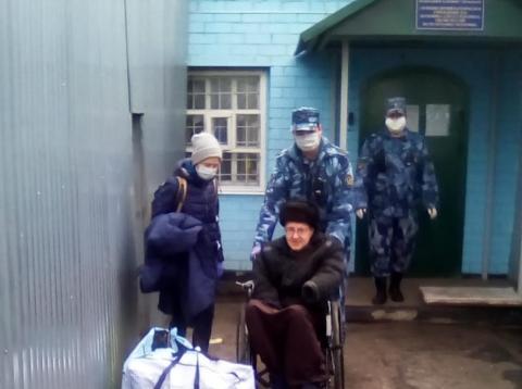 Ilya Romanov à sa sortie de prison