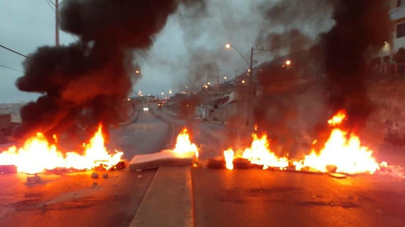 Deux militants condamnés pour avoir érigé une barricade