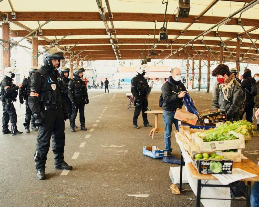 La police interrompt une distribution de nourriture à Montreuil