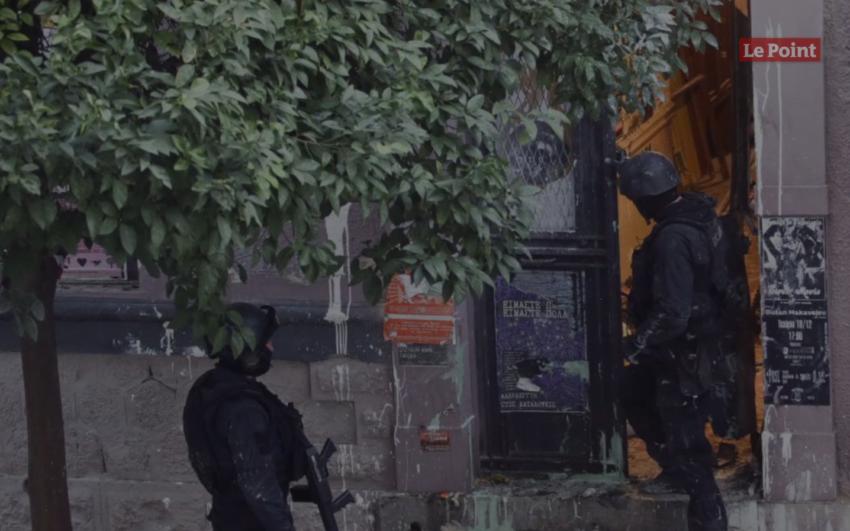 Quatre personnes arrêtées pour fabrication d'engins explosifs