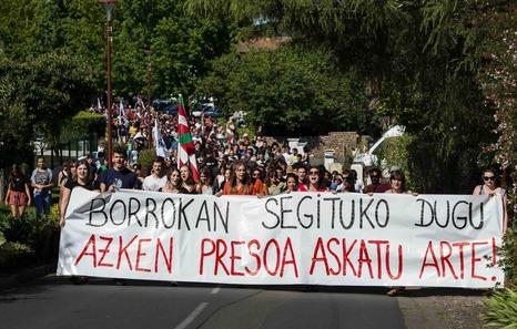 Plus de 900 personnes pour soutenir Mikel Barrios à Itxassou