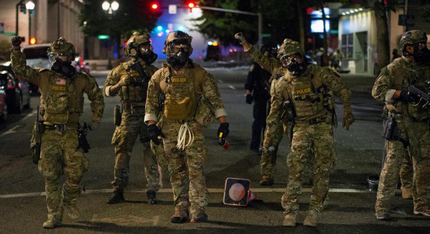 Agents fédéraux déployés à Portland