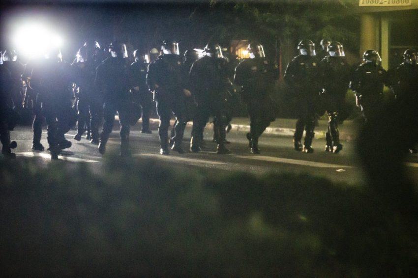 Charge de police jeudi 6 août à Portland