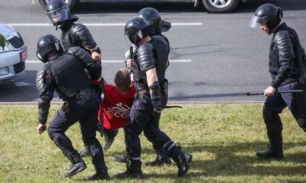Manifestant arrêté à Minsk