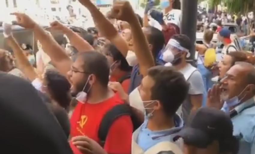 Macron interpellé par la population de Beyrouth qui réclame la libération de George Abdallah