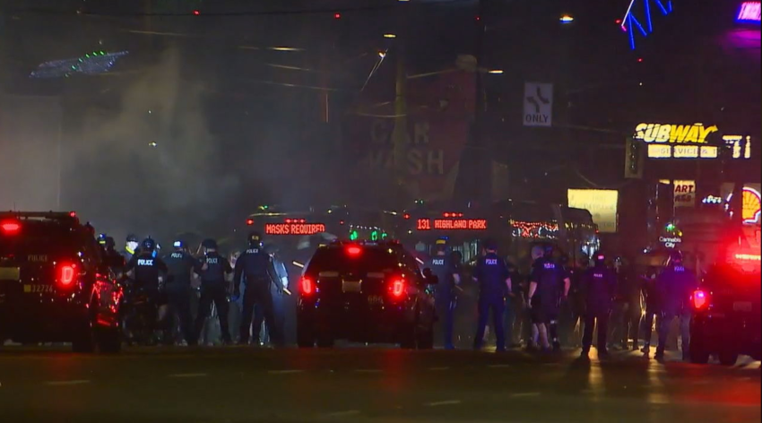 Les affrontements de dimanche à Seattle