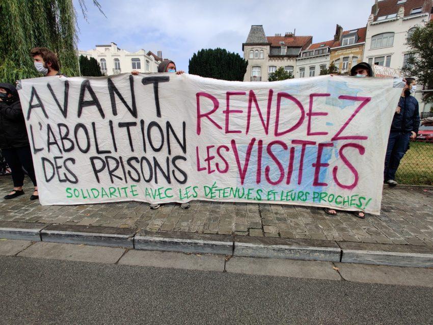 Devant la prison de St-Gilles