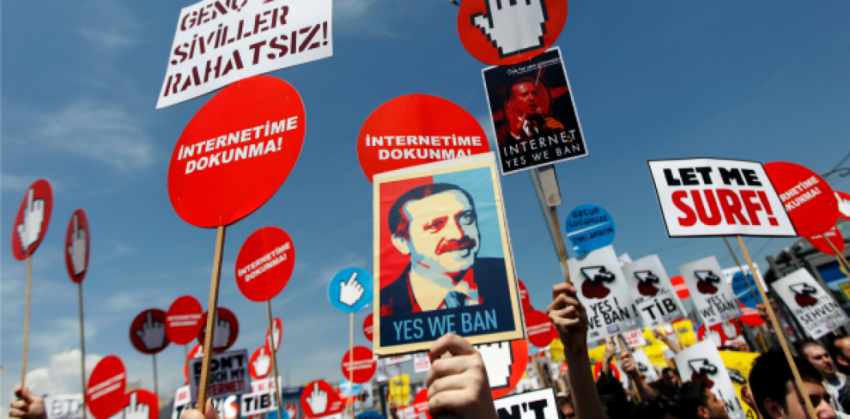 Manifestation contre la censure d'internet en Turquie (archive)