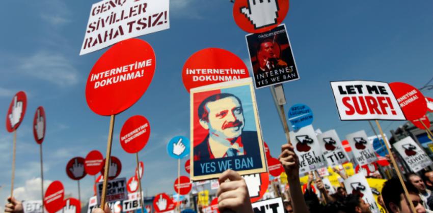 Manifestation contre la censure d'internet en Turquie (archive)