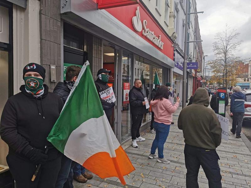 Affrontements entre militant·es républicains et police devant les banques de Santander