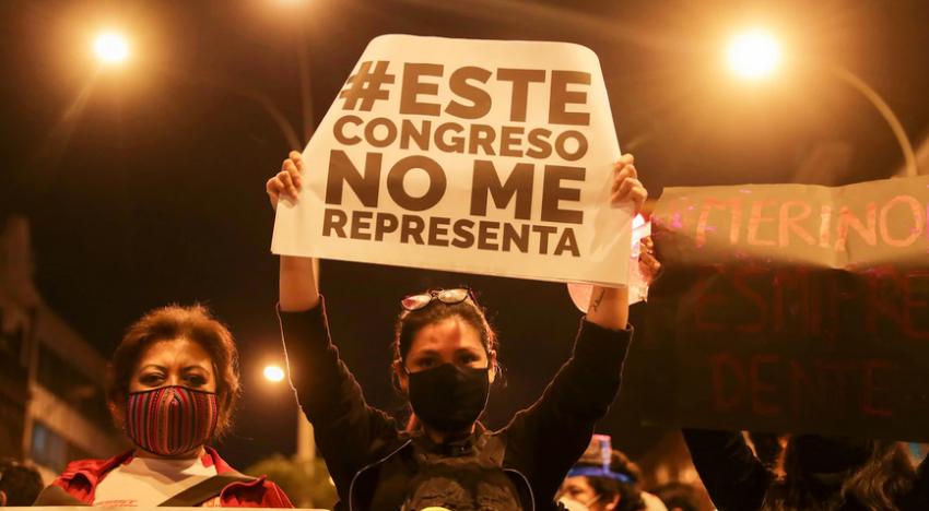 Le mouvement populaire obtient la démission du président par intérim Manuel Merino