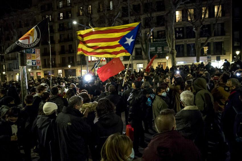 Manifestations en soutien à Pablo Hasel à Barcelone