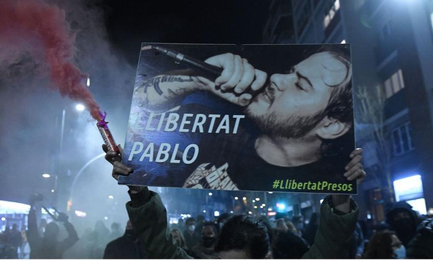 Émeutes pour protester contre l'arrestation de Pablo Hasel