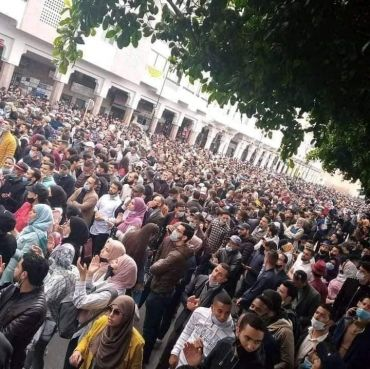 Manifestation des enseignant·es malgré l'interdiction