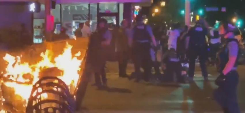 Manifestations suite à la mort d'un homme noir tué lors de son arrestation à Minneapolis